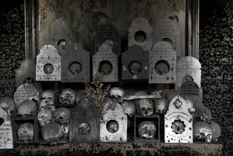 Ossuary, Cimetière de la Chapelle St. Hilaire, Marville (Longwy), Lorraine,  France. (2010)