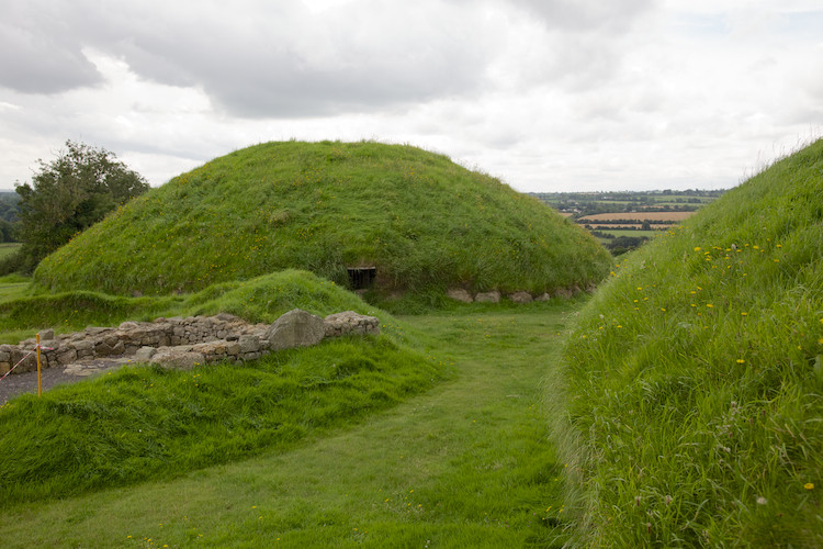 Neolithic passage grave, Knowth, Boyne Valley, County Meath
