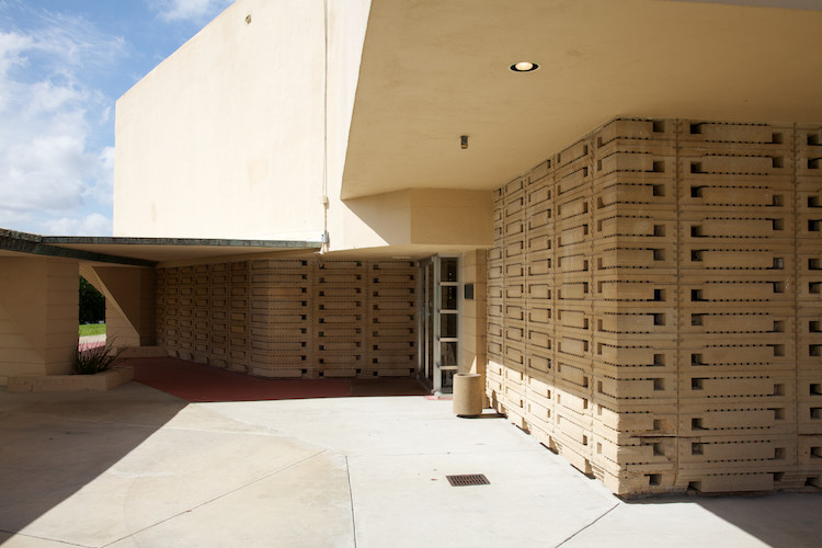 Southern College, by F. L. Wright, Lakeland, FL, USA. (2011)