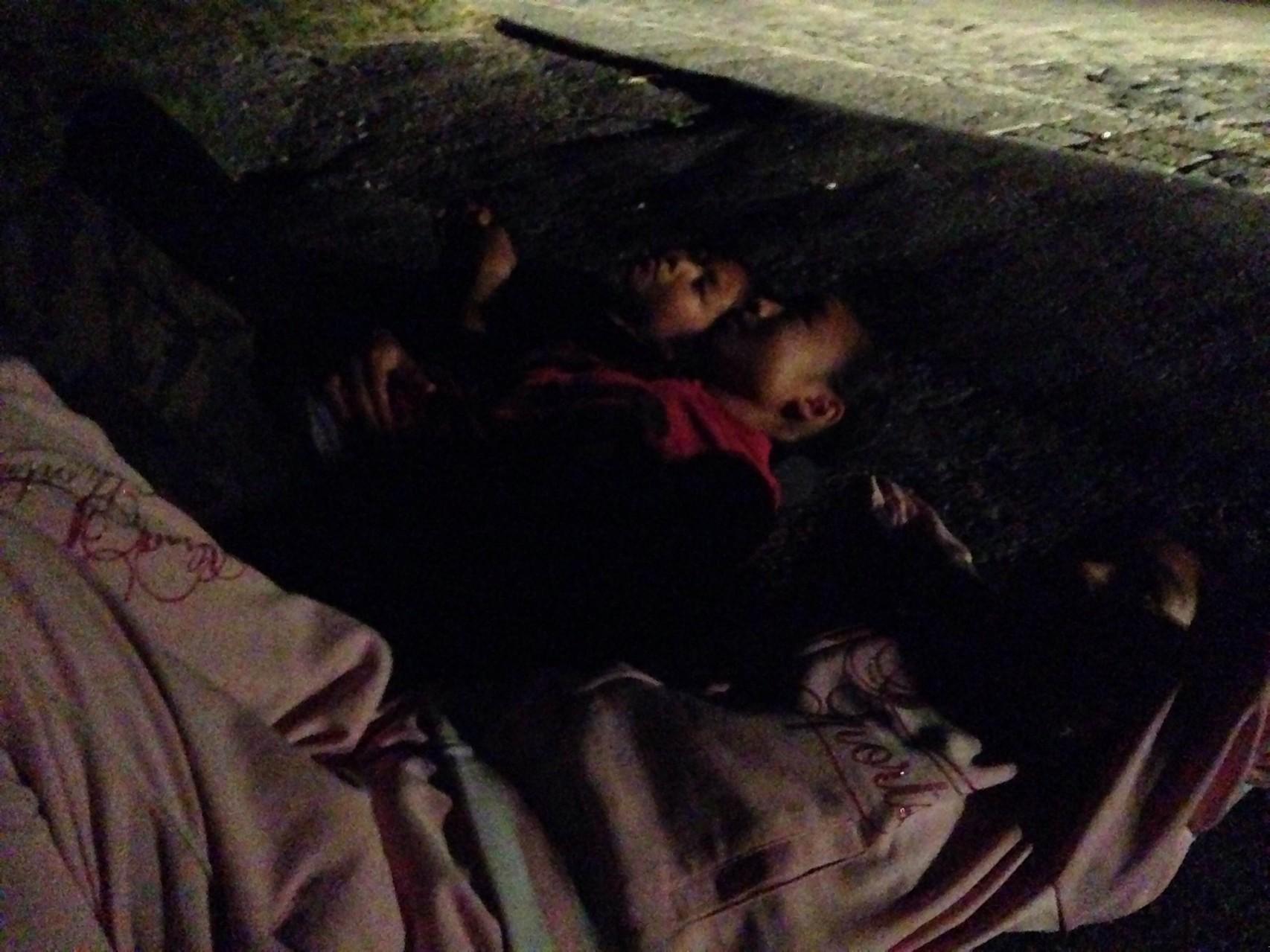 ナイトウォーキングでは、寝転がって流れ星を待ったりしました☆