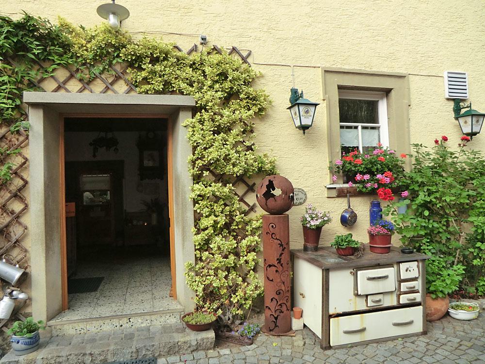 Einkehr im Gasthaus Kram, 2012