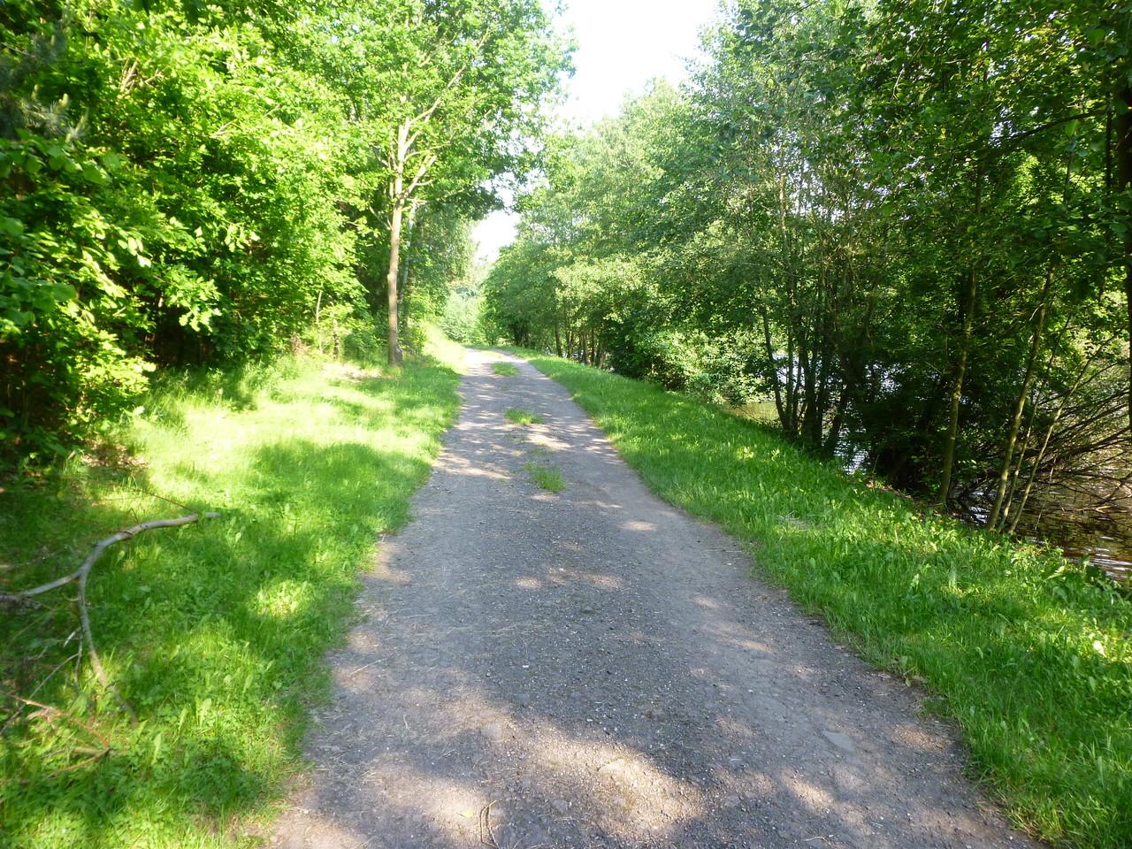 Der Weg am Stausee