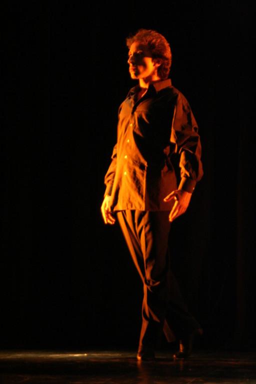 Cía Mo-Mo Teatro facetas dic 2009 ( Gullibert Campell)
