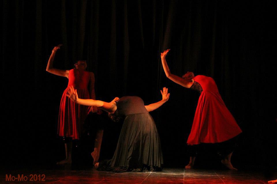 """Cursos Adultos Obra """"La´grimas Negras (Fotografía Ignacia Rosas)"""