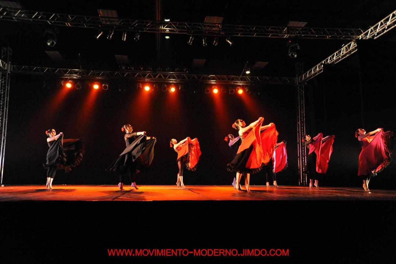 Curso Adultos en cía Mo-Mo ..Obra Lágrimas negras 1º lugar Brasil 2012