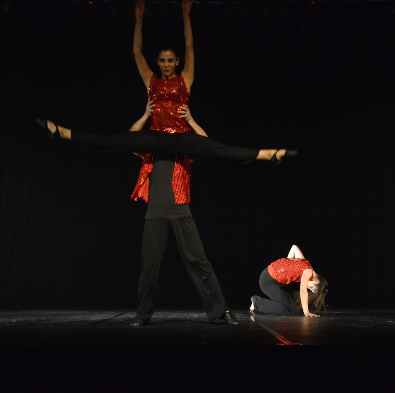"""""""Surprise"""" Coreografía: Ana Luisa Baquedano"""