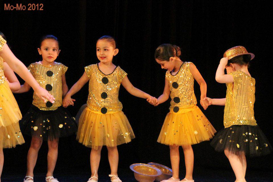 Cursos Inantiles Presentación Dic-2012 Teatro Facetas (Fotografía Ignacia Rosas)