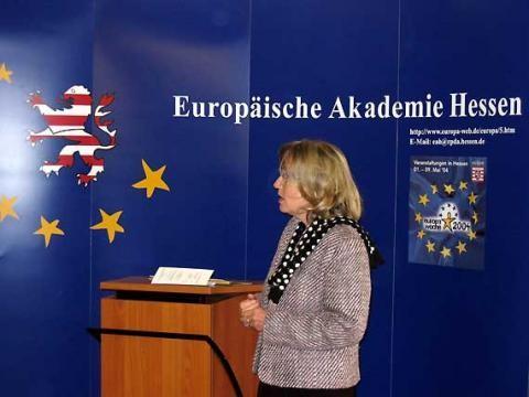 Die Vorsitzende der Akademie, Barbara von Saary