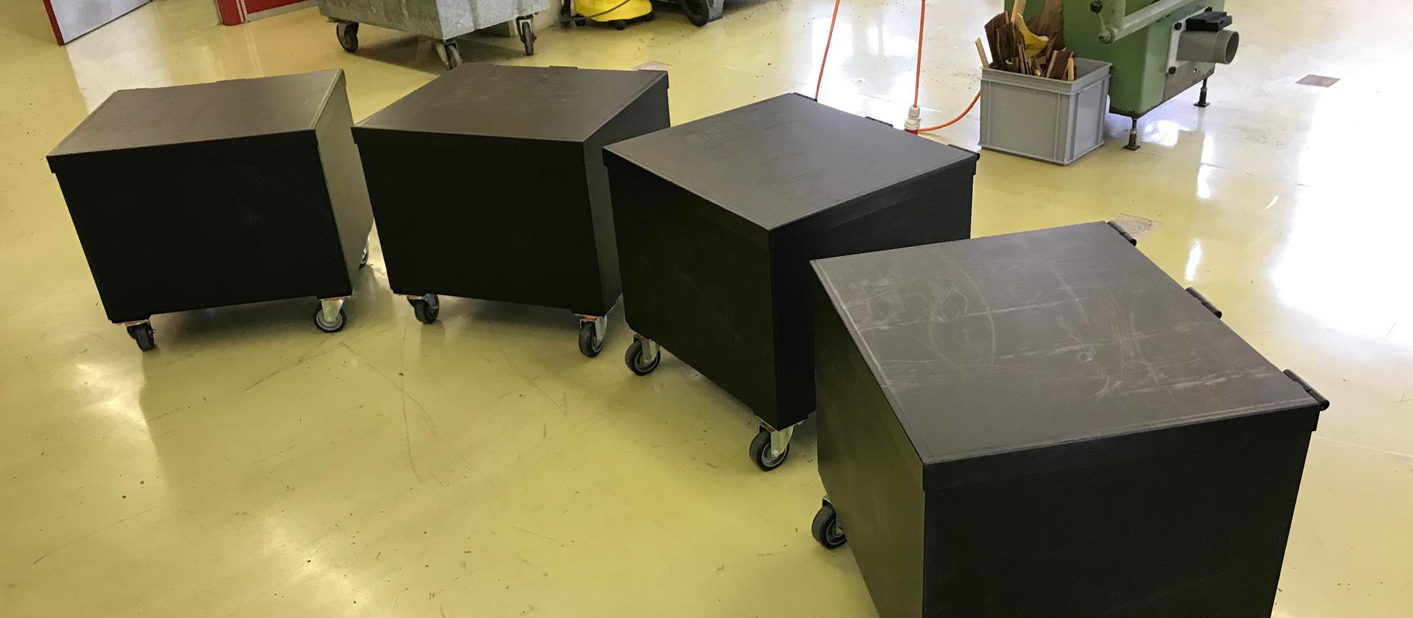 Transportbehälter mit Deckel und Rollen | PE
