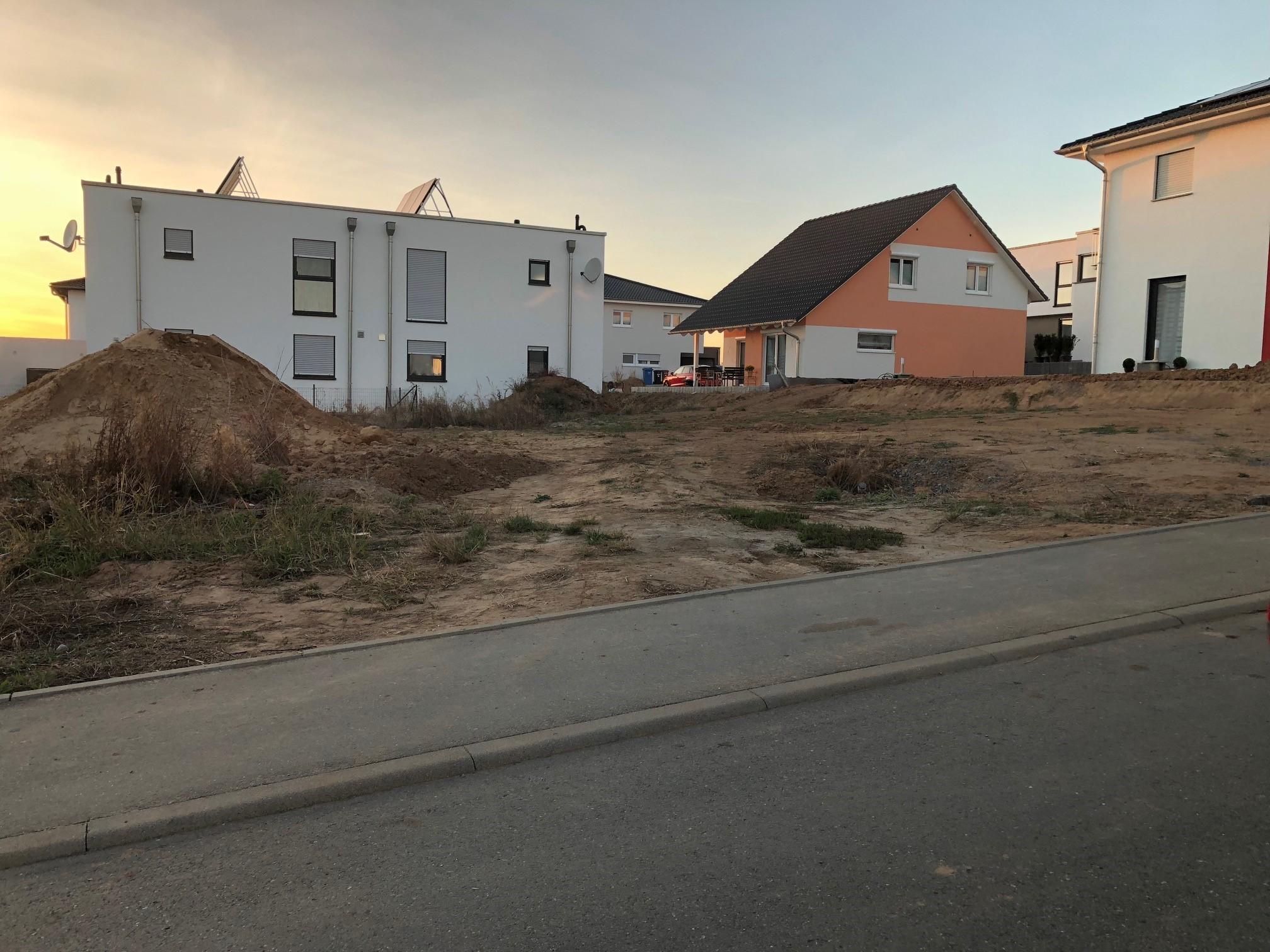 Bauplatz; Grundstück