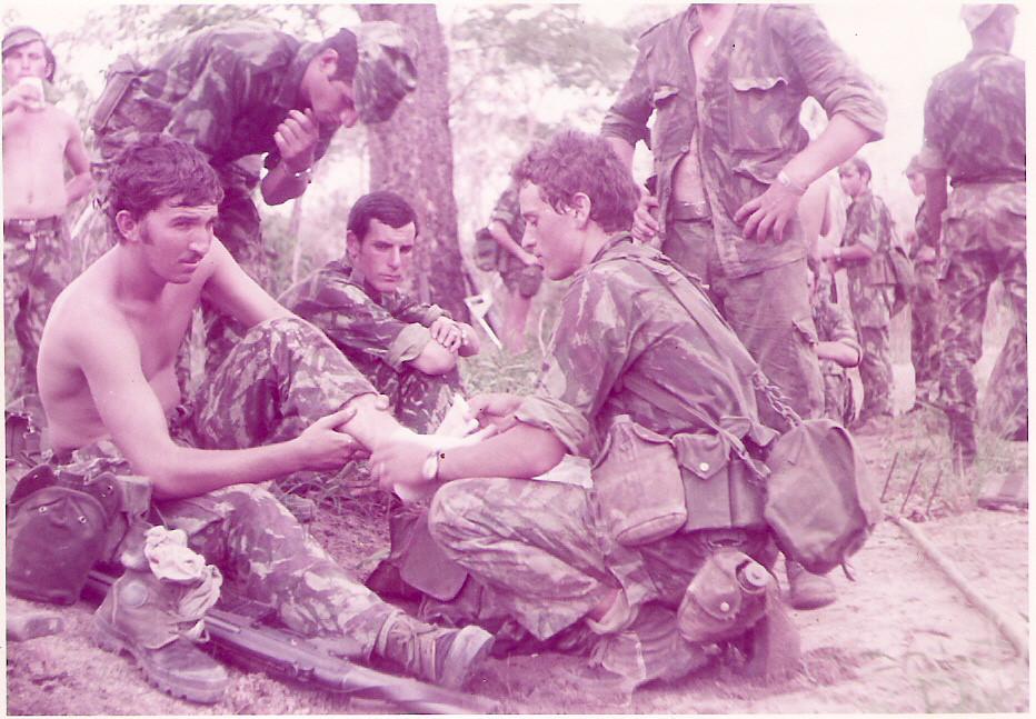 1973 - 1.º Pel.2.ª C. no mato de Cabo Delgado - Foto de J. Ferra