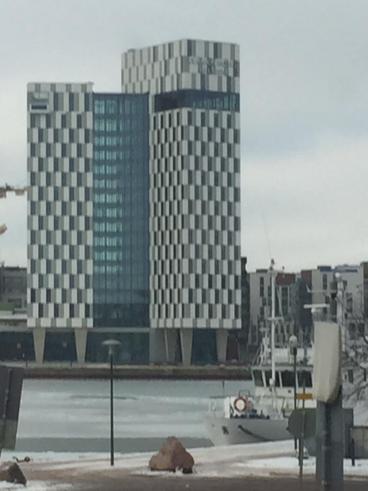 Wohnblock am Hafen