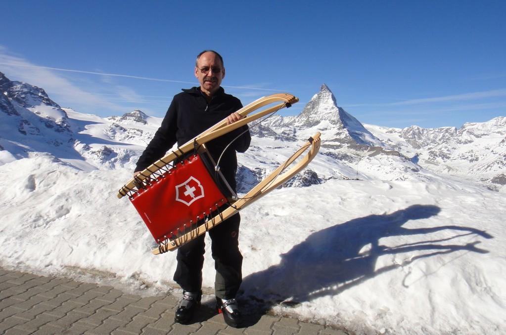 Victorinox-Rodel von Lindauer vor dem Matterhorn