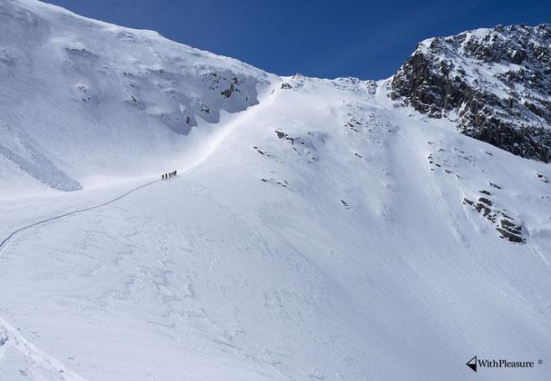 Aufstieg auf die Hochebene zum Fusse des Oberalpstock. Bild: Lukas Rüsch