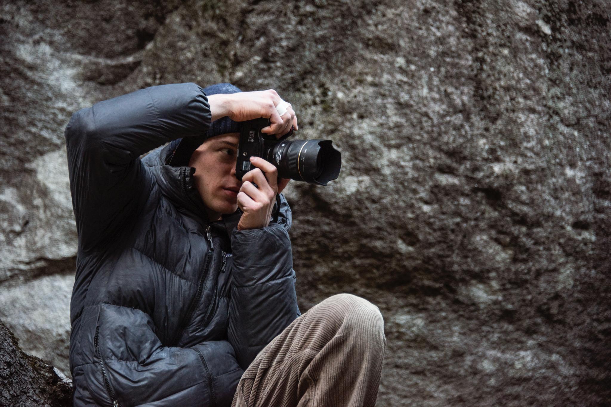 Lukas beim Fotografieren im Tessin Frühjahr 2020.