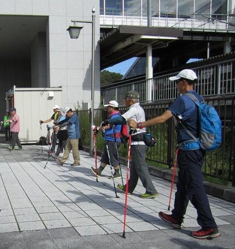 本日は男性のご参加が多く 頼もしいです!  多賀城で活躍される方達にリーダーをお願いし グループごとに出発です