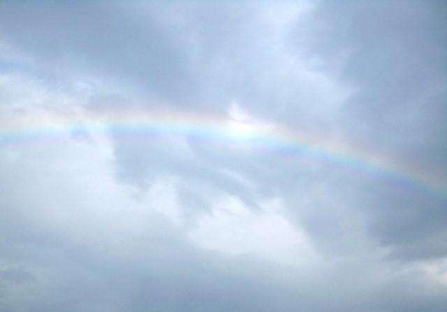小雨がパラパラと…虹が出ていました\(^o^)/