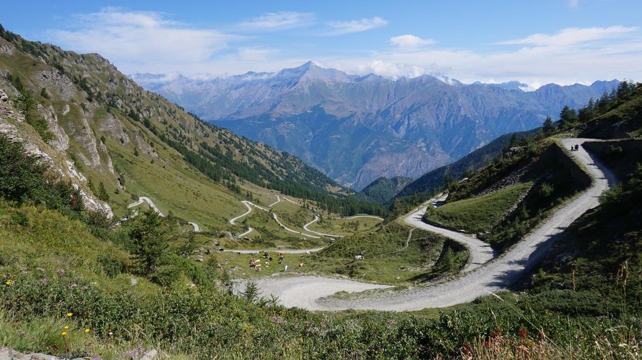 Auffahrt zum Col delle Finestre