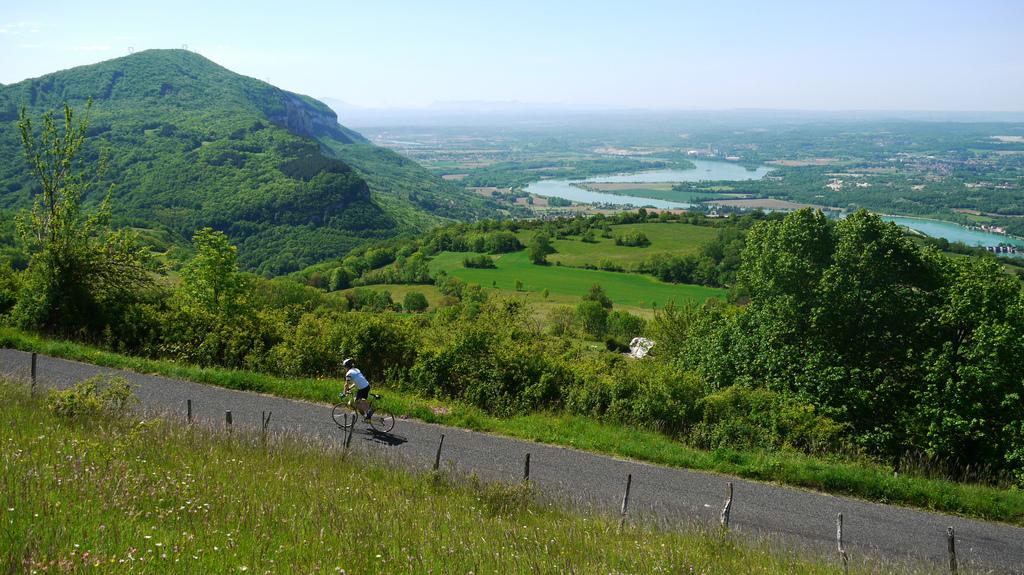 Après Soudon. Vue sur le Rhône.