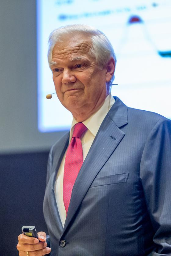 Klaus Hennig (Geschäftsführender Gesellschafter des ISF Institut Deutsch-Schweizer Finanzdienstleistungen GmbH)