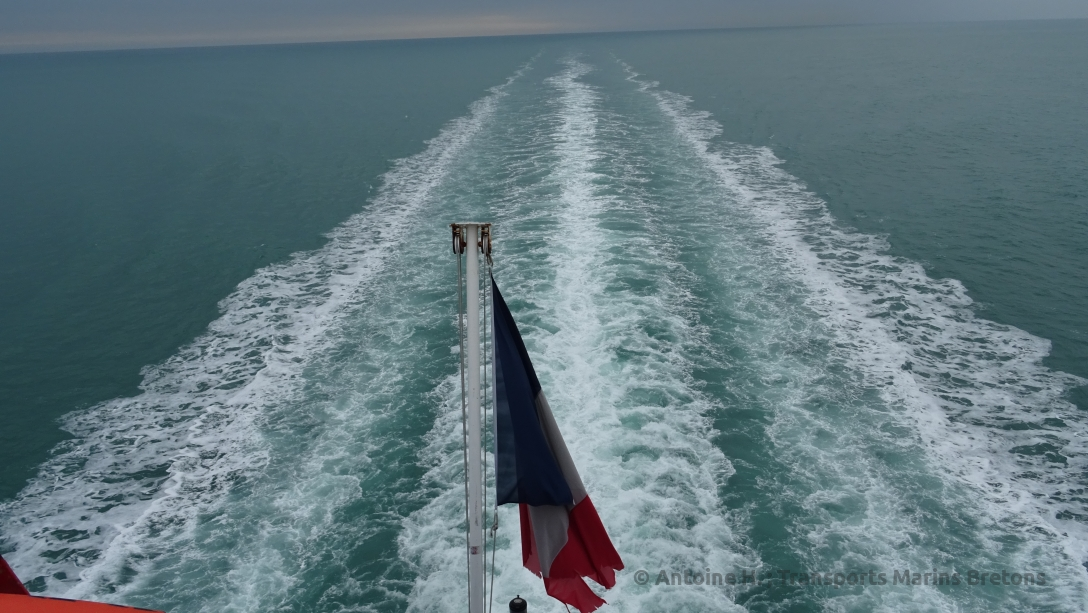 Bretagne's wake and French flag