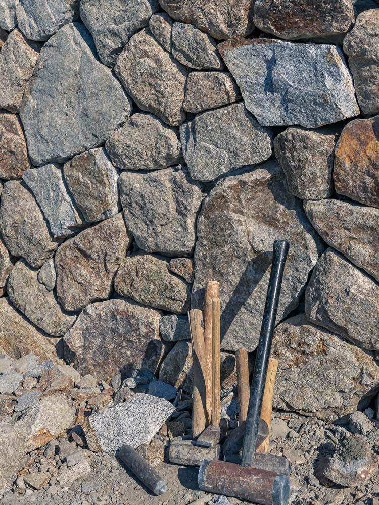 庵治石石積み