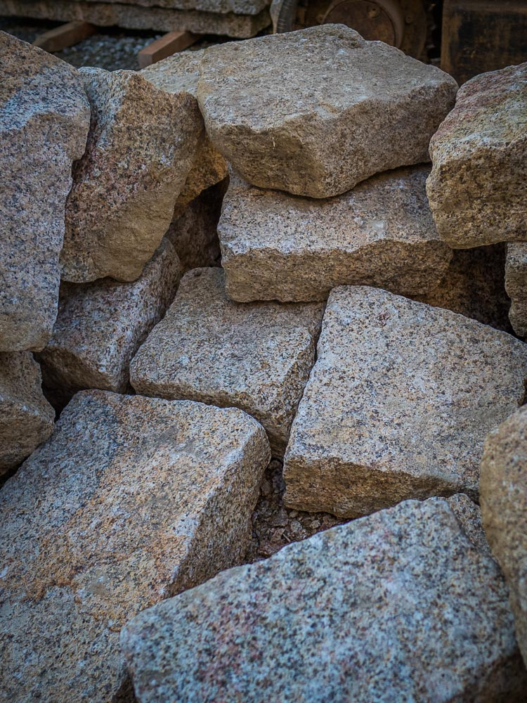 犬島産御影石