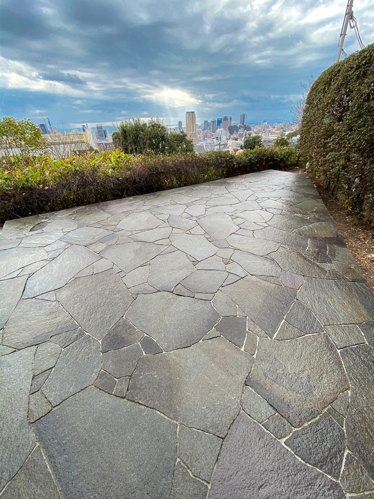 諏訪鉄平の石のテラス