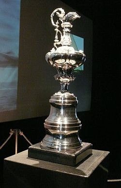 """La mitica """"brocca d'argento"""", l'America's Cup"""