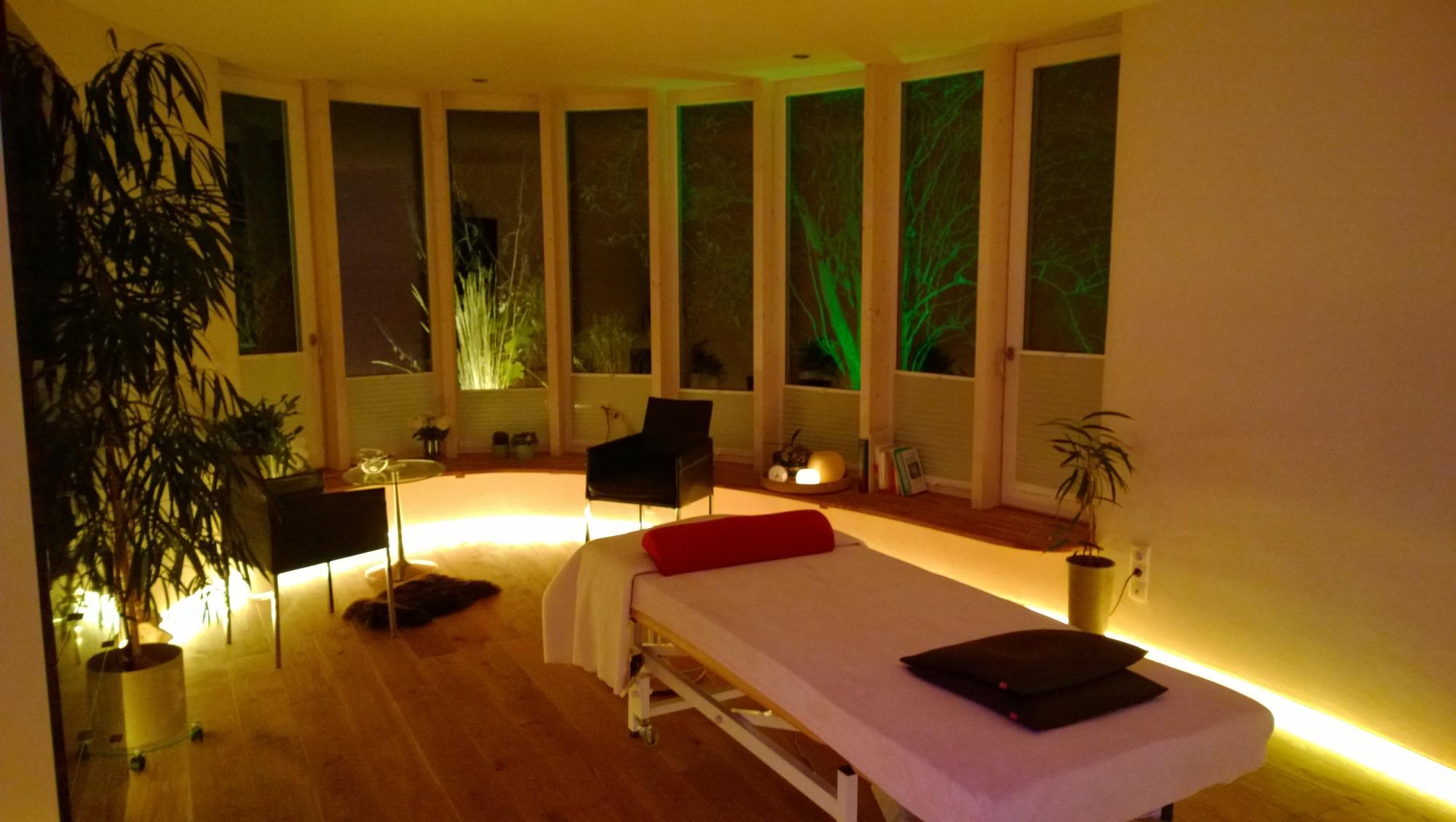 Behandlungsraum bei Nacht