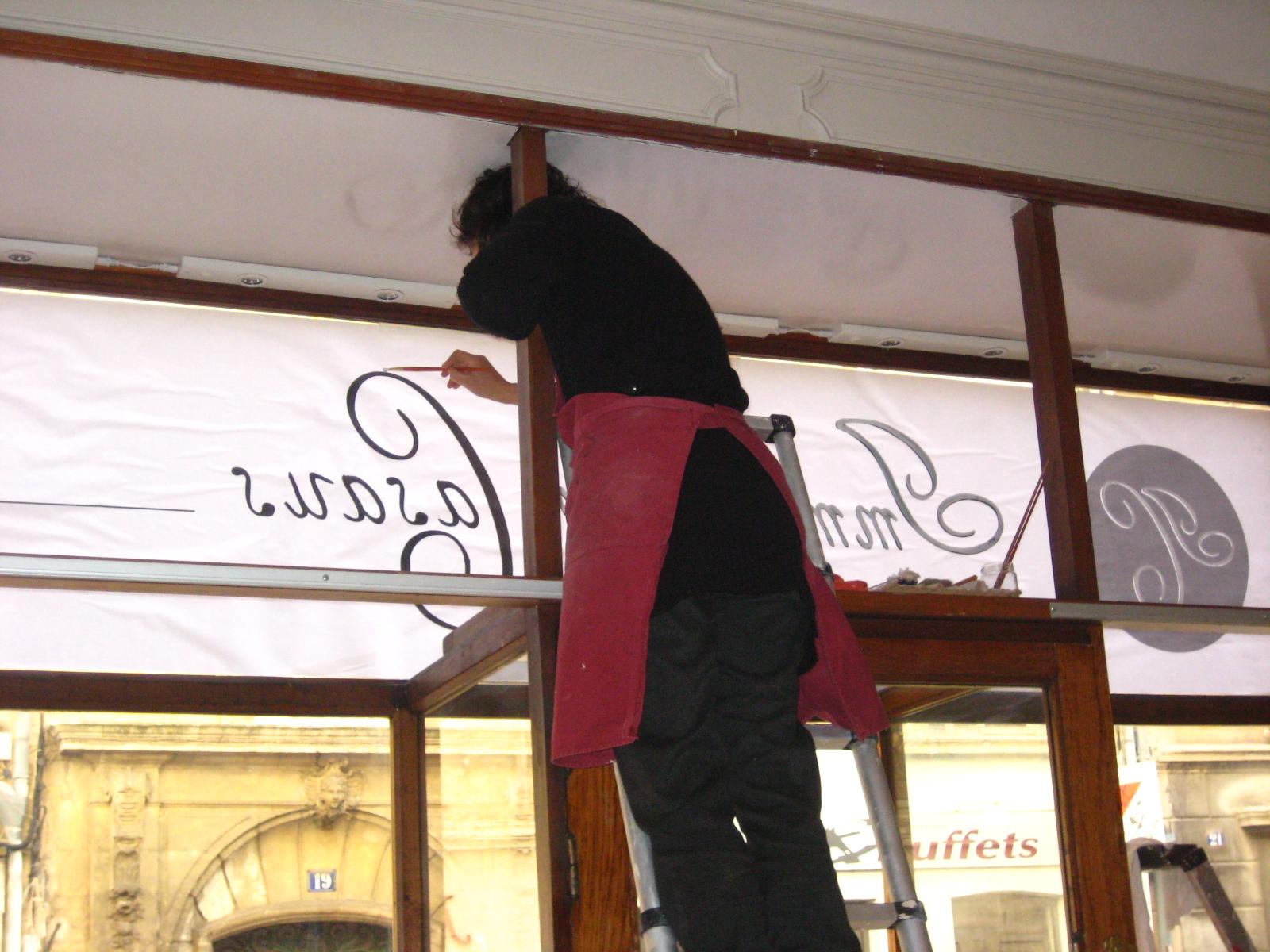 Lettrage commerce- Avignon 2014- Réalisation Delfine Huot