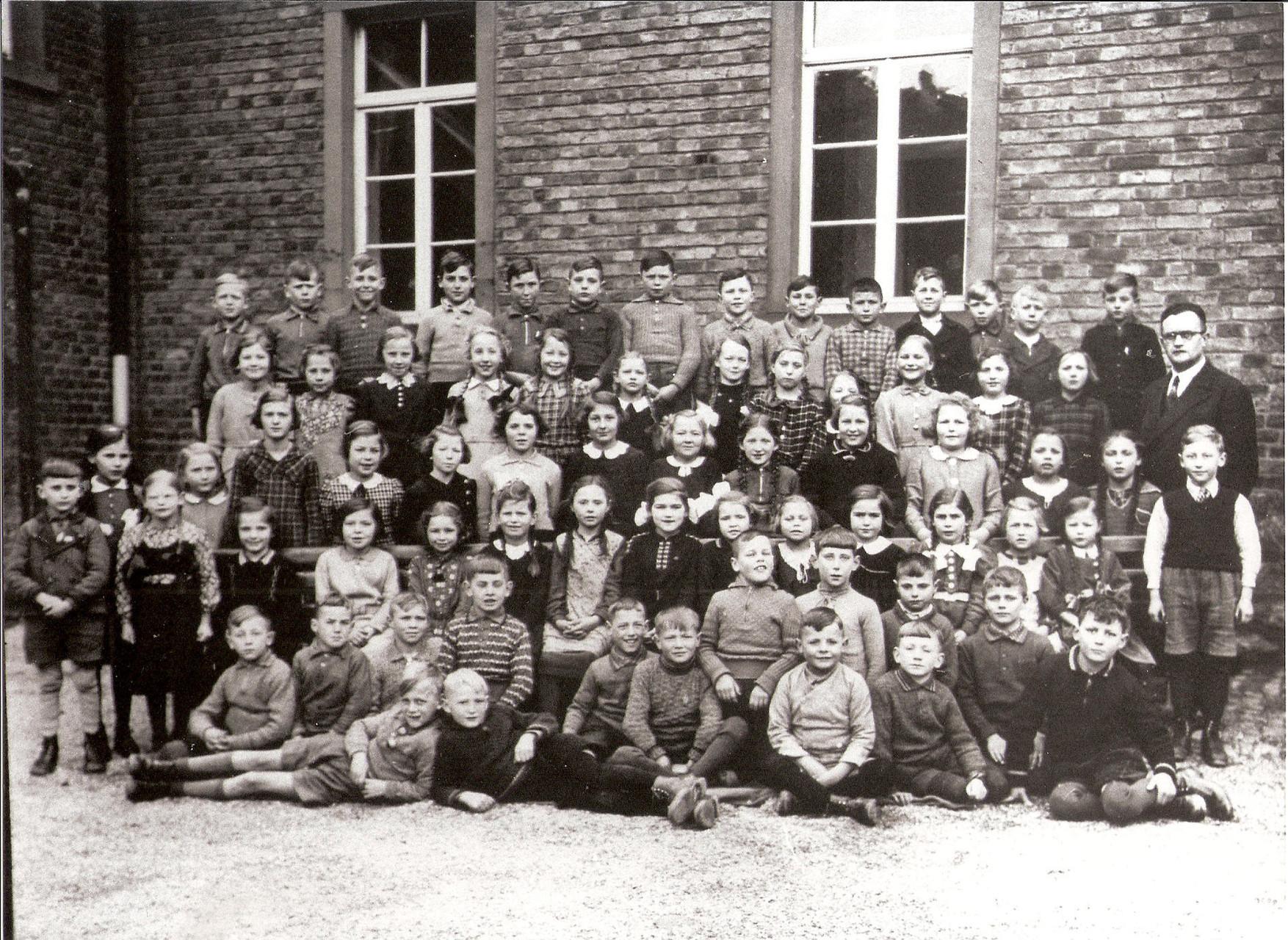 Jahrgang 1928/29, Bild:Kliem, Elfriede geb. Wengorz