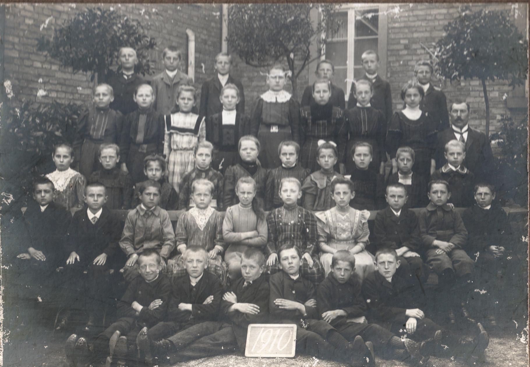 Jahrgang 1903, Bild: Knerndel,Christel
