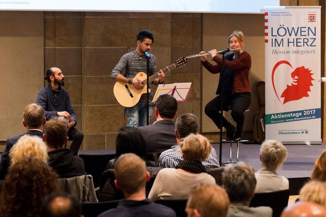 Trio ARJIN mit Sabri Aslan, Ahmad al-Ahmad & Ursel Schlicht; Darbouka, Gitarre, Querflöte/Piano; Löwen im Herz