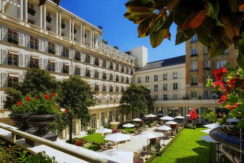 Baby Friendly Hotels in Paris, France: Le Bristol Paris