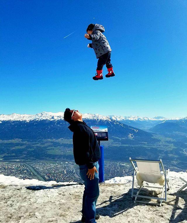 Nomadic family travel with toddler