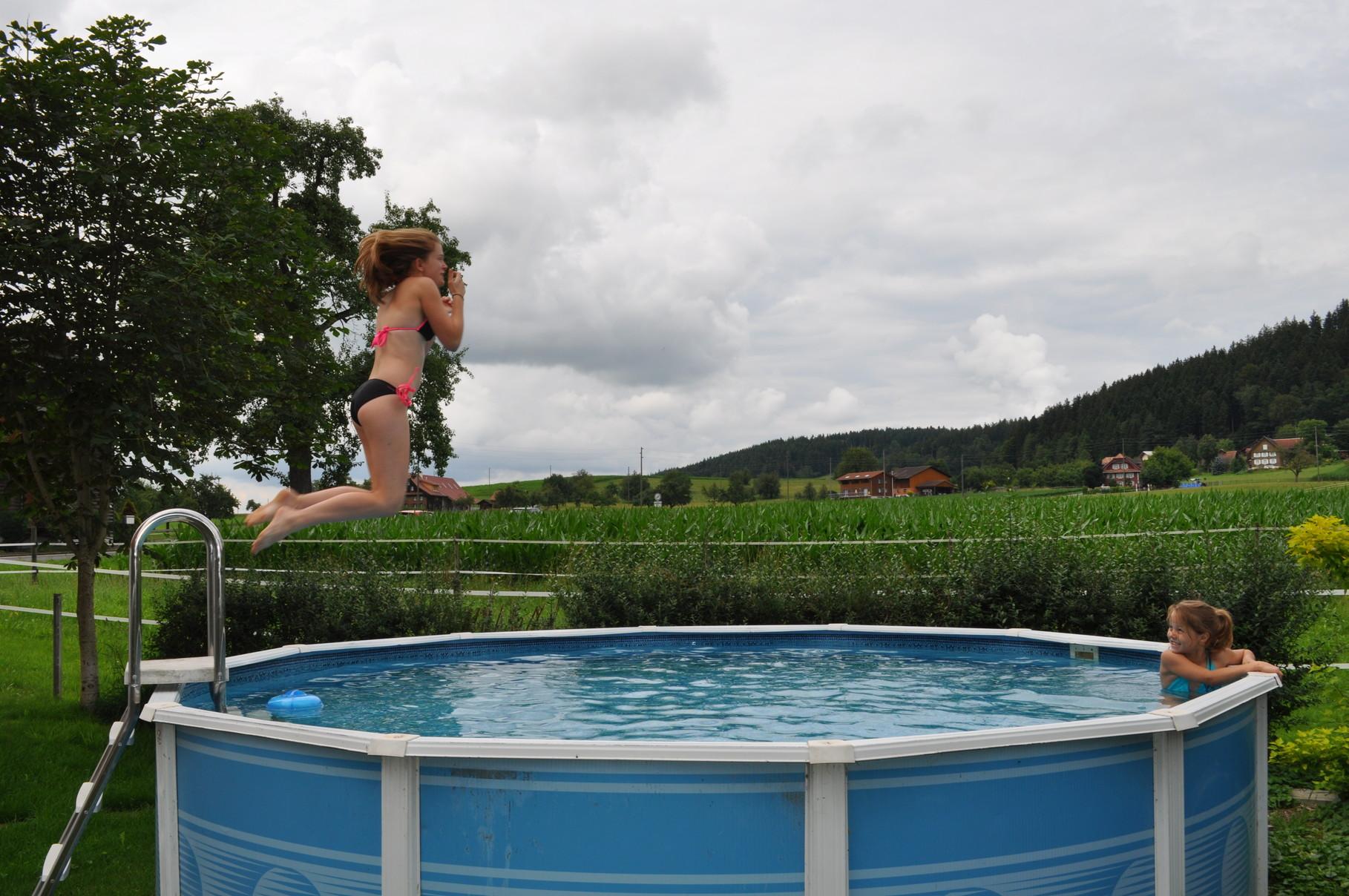 Trotz Herbstwetter und kühlen Temperaturen wurde der Pool genutzt...