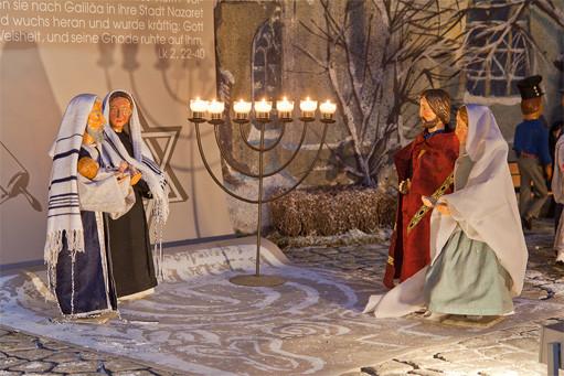 Das letzte Bild der Milieukrippe in Lyskirchen: Darstellung des Herrn, ... und Hanna trat hinzu und lobte den Herrn. Die Krippe in Lyskirchen wurde am 3.2.2012 abgebaut und ist wieder am 1. Advent 201