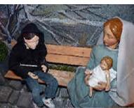Lyskirchen Matthias Schnegg Benjamin Marx Milieukrippe Köln Rheinauhafen Schokoladenmuseum Jesu Jesus katholische Kirche romanische Kirchen Köln Kardinal Woelki Romanik in Köln Roma Junkie Notel Gewalt an Kindern Königin von Saba Jemen Hungersnot Krieg Wa