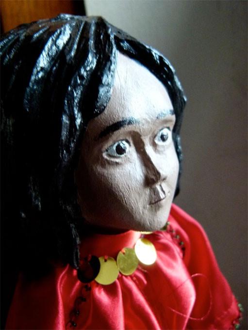 Crina (8 Jahre), das Romamädchen ist die neue Figur in der Milieukrippe von Lyskirchen