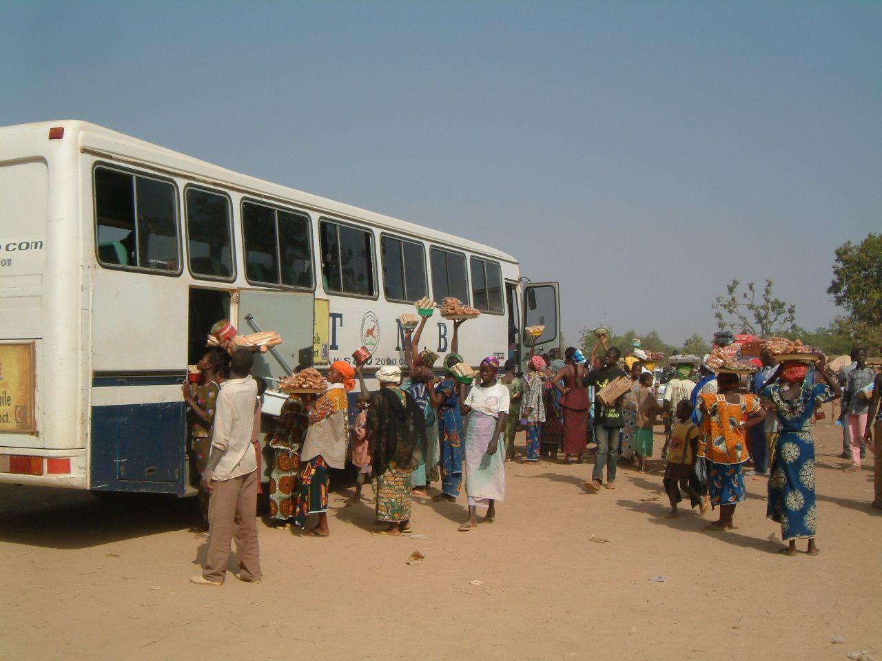 Arrêt de l'autocar entre Bobo et Ouaga