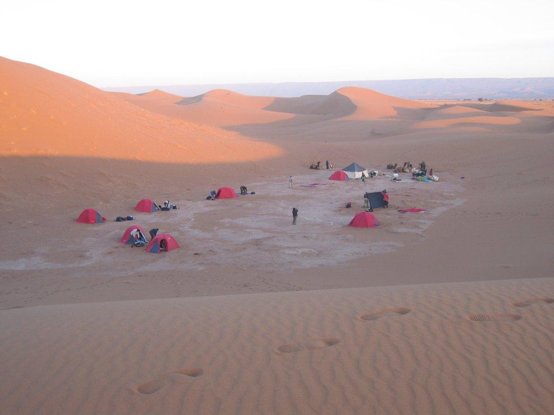 Campement dans les dunes