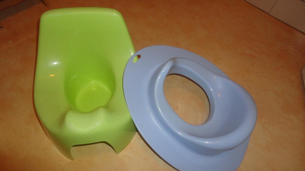 Gîte bébé : Pot et cuvette WC spéciales jeunes enfants