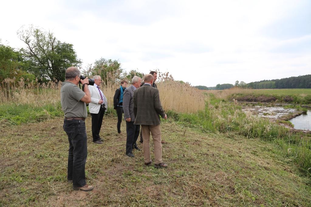 Besichtigung des abgeschlossenen Renaturierungsvorhabens durch den Umweltminister Dr. Till Backhaus (Mai 2014)