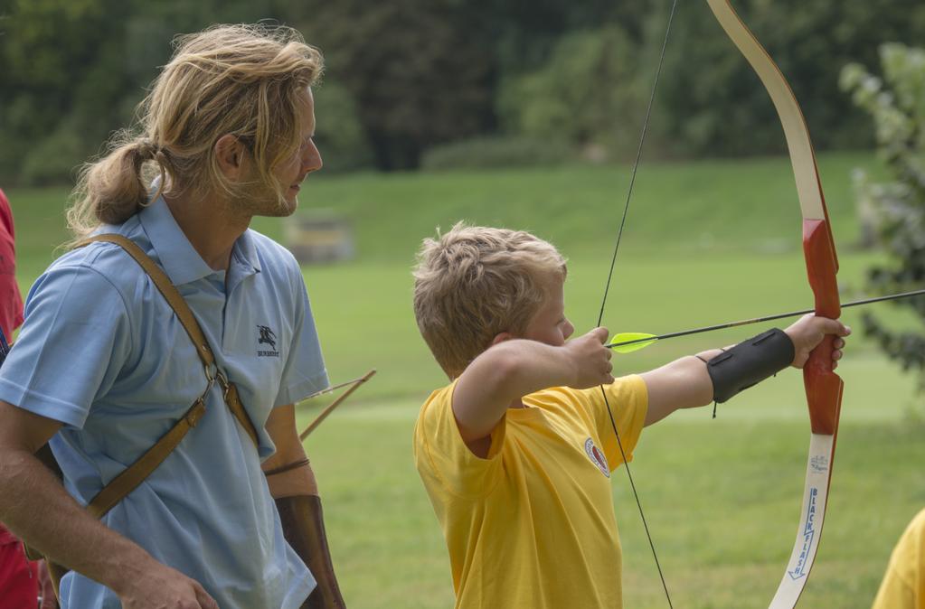 Kinder lernen schnell. Auch das Bogenschießen.