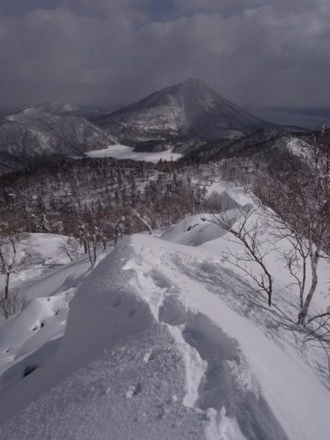 20110302 小漁山から恵庭岳を望む