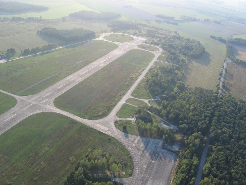 Die Runway des Flugplatzes Niedergörsdorf / Altes Lager