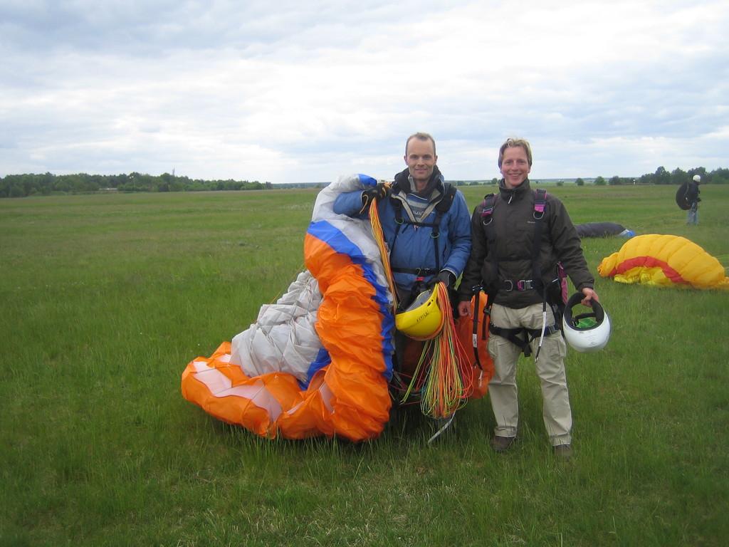 Nach der Landung: Kopilot und Pilot
