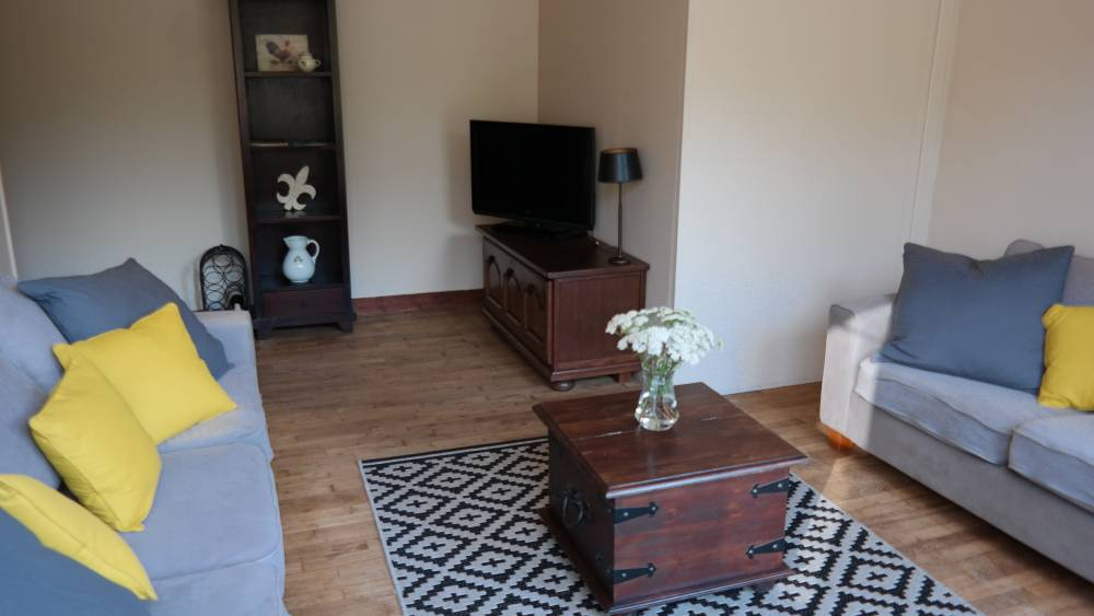 Cozy living room with TV and wifi