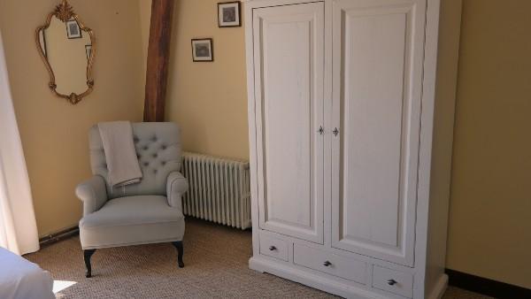 Chambre confortable avec 2 lits simples